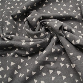 Треугольники на темно-сером (фланель утепленная)